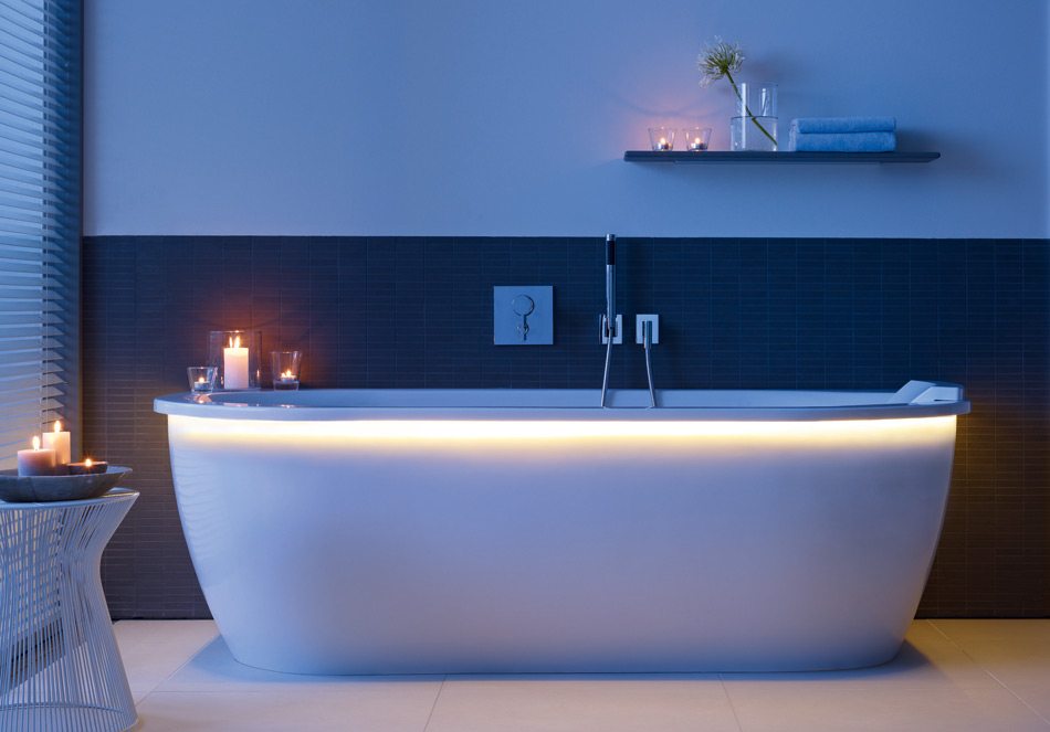 Duravit Darling illuminated bath tub