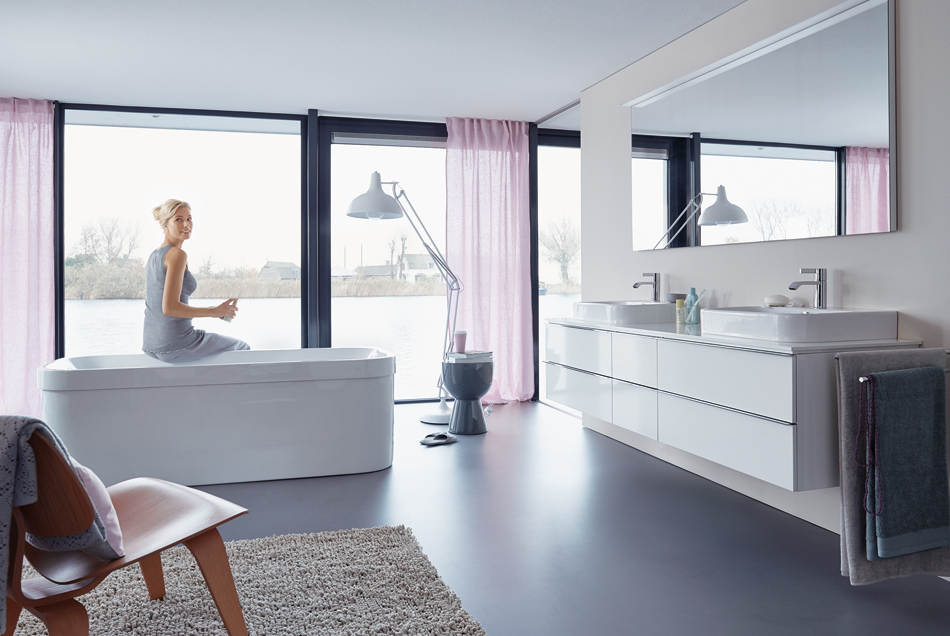 Duravit Happy D.2 bathroom with pastel accents