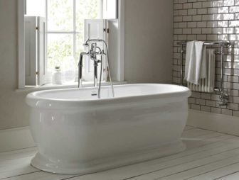 Heritage Derrymore freestanding bath on display at Grantham & Chesterfield