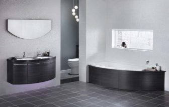 Utopia Symmetry bath on display at our Grantham & Nottingham showrooms